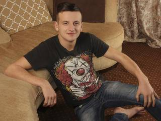 BobyAlwin - 21years old, White
