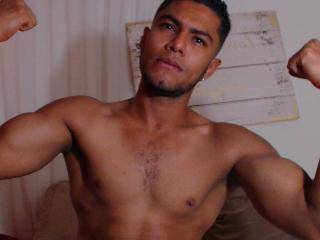 KarlC - 22years old, Latin