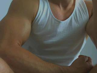 MusculeBoy69 - 20years old, Latin