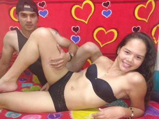 CoupleSoHornyy - 21years old, Latin