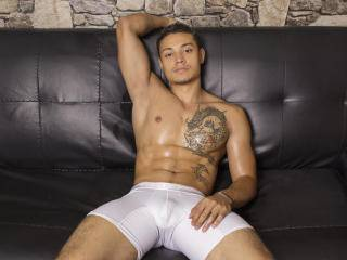 AlanFerrer - 20years old, Latin
