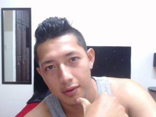 Superhornyman - 22years old, Latin