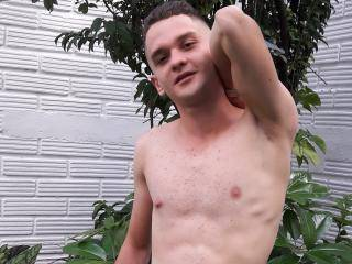 Jhosepxx - 25years old, Latin