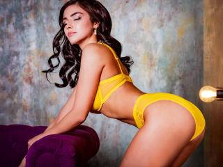 MikaelaPascaI - 20years old, Latin
