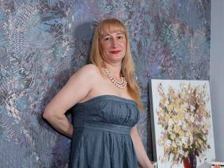 EmmaHeaven - 48years old, White