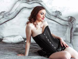CarolineFamous - 33years old, White