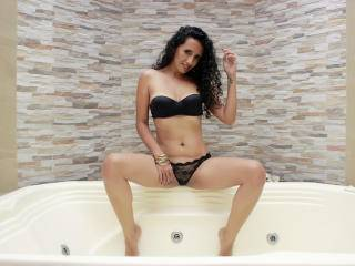 LucianaSexy - 29years old, Latin
