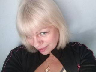 NeonMiss - 54years old, White