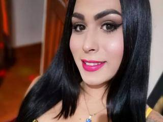 IsabellaTx - 21years old, Latin